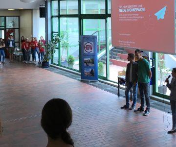 Schüler gestalten eine neue Homepage für das Hüffertgymnasium
