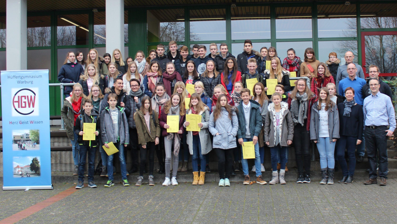 93 Schüler des Hüffertgymnasiums erhalten das Deutsche Sportabzeichen