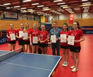 Tischtennis Mädchen gewinnen den Landestitel